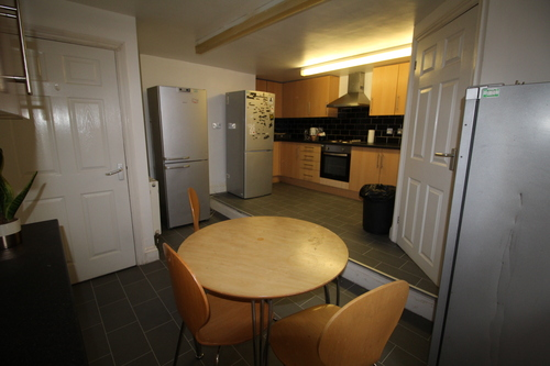ROOM 20,  KENT HOUSE  CLARENDON PLACE,  Student Accommodation 3